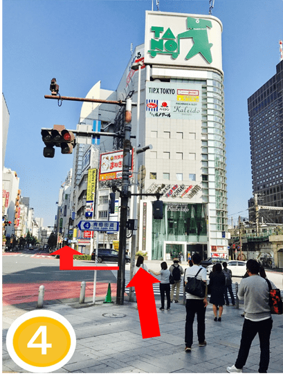 JR新宿駅西口4
